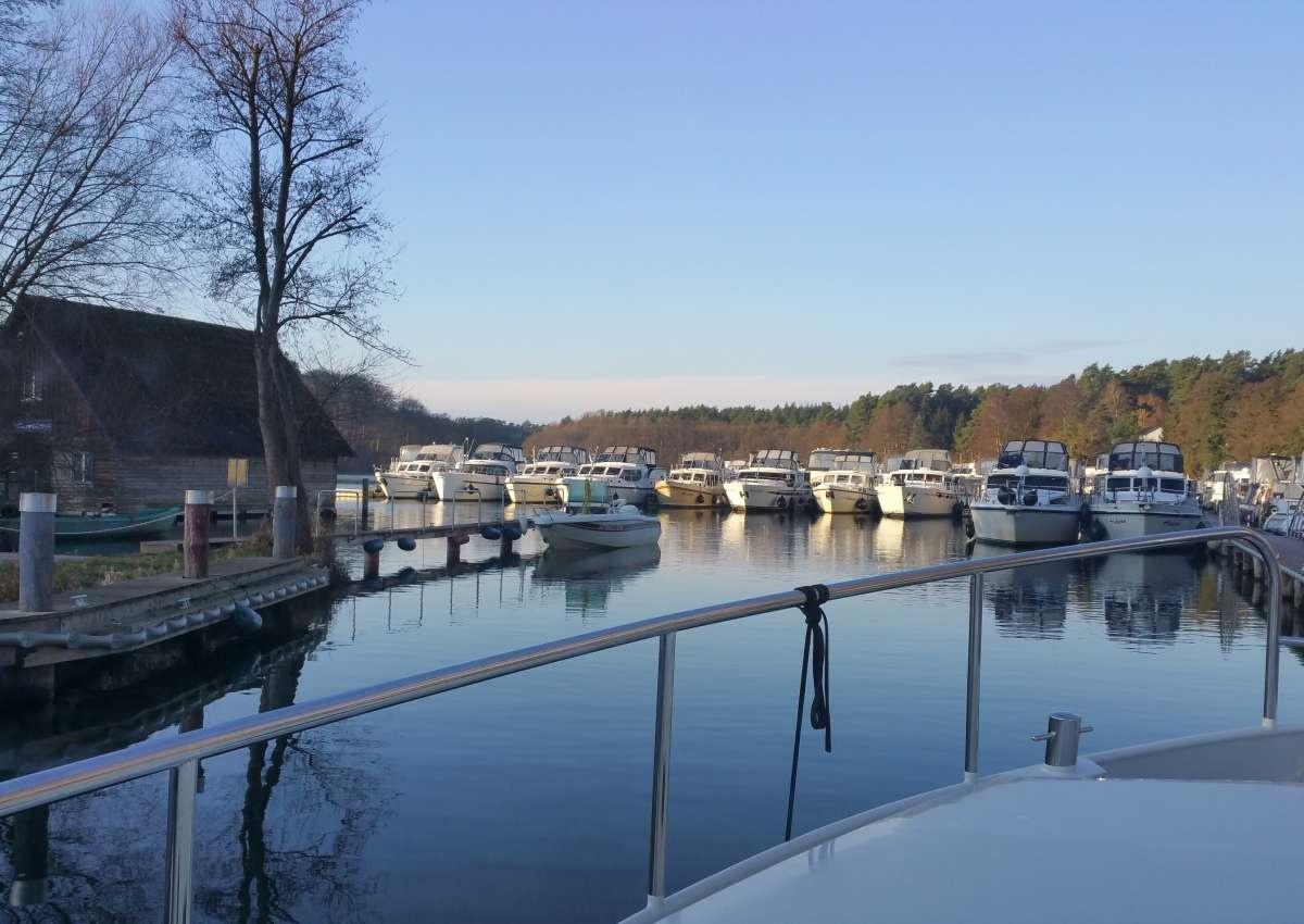 Marina Eldenburg - Marina près de Waren (Müritz)