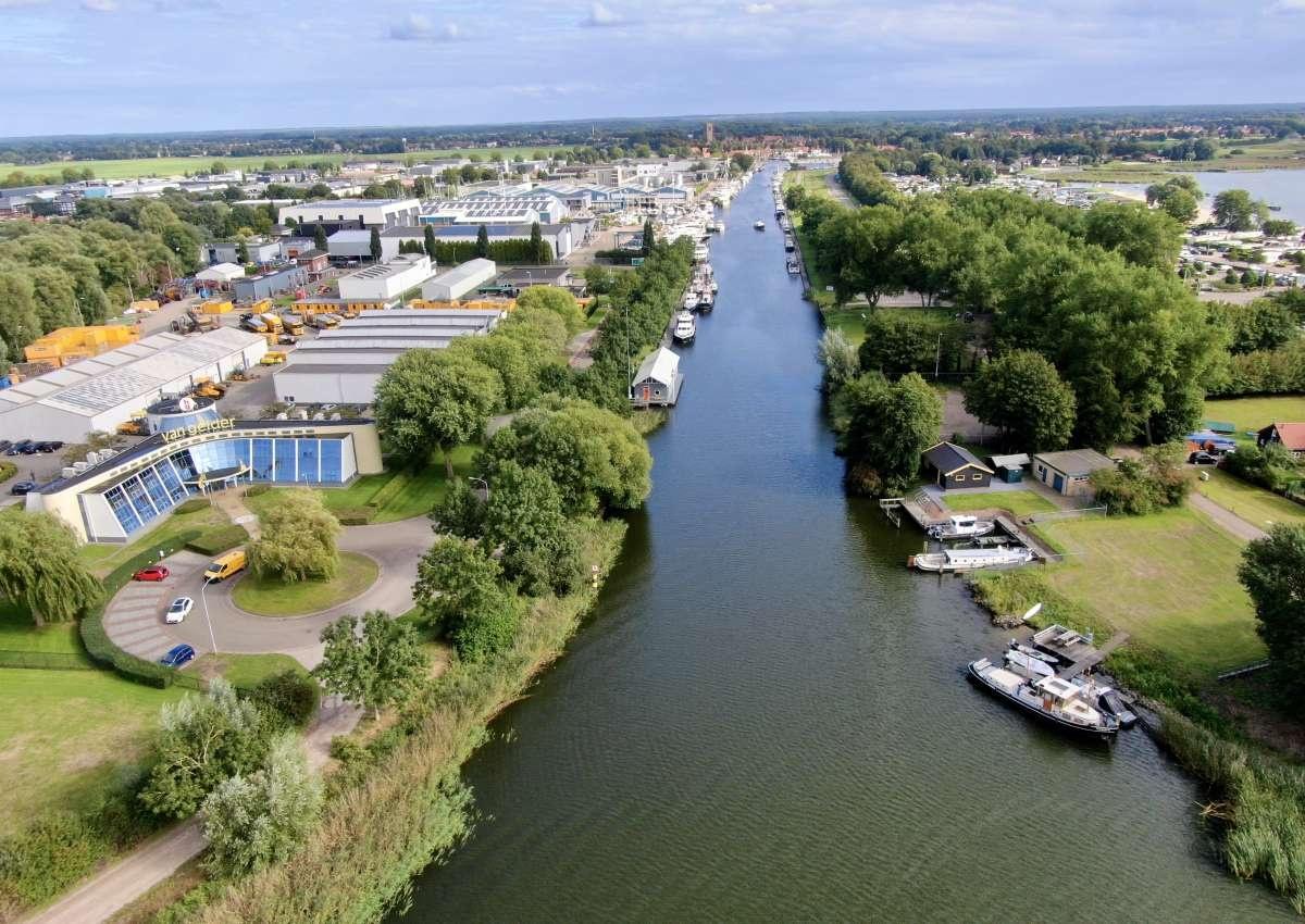 Jachtcenter Elburg B.v. - Hafen bei Elburg