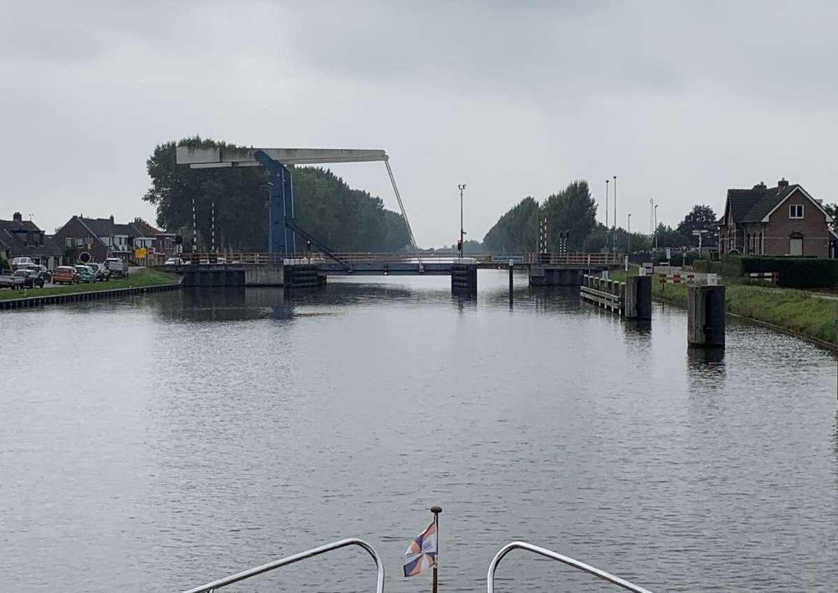 Zwaanskuikenbrug - Brücke bei Vijfheerenlanden (Lexmond)