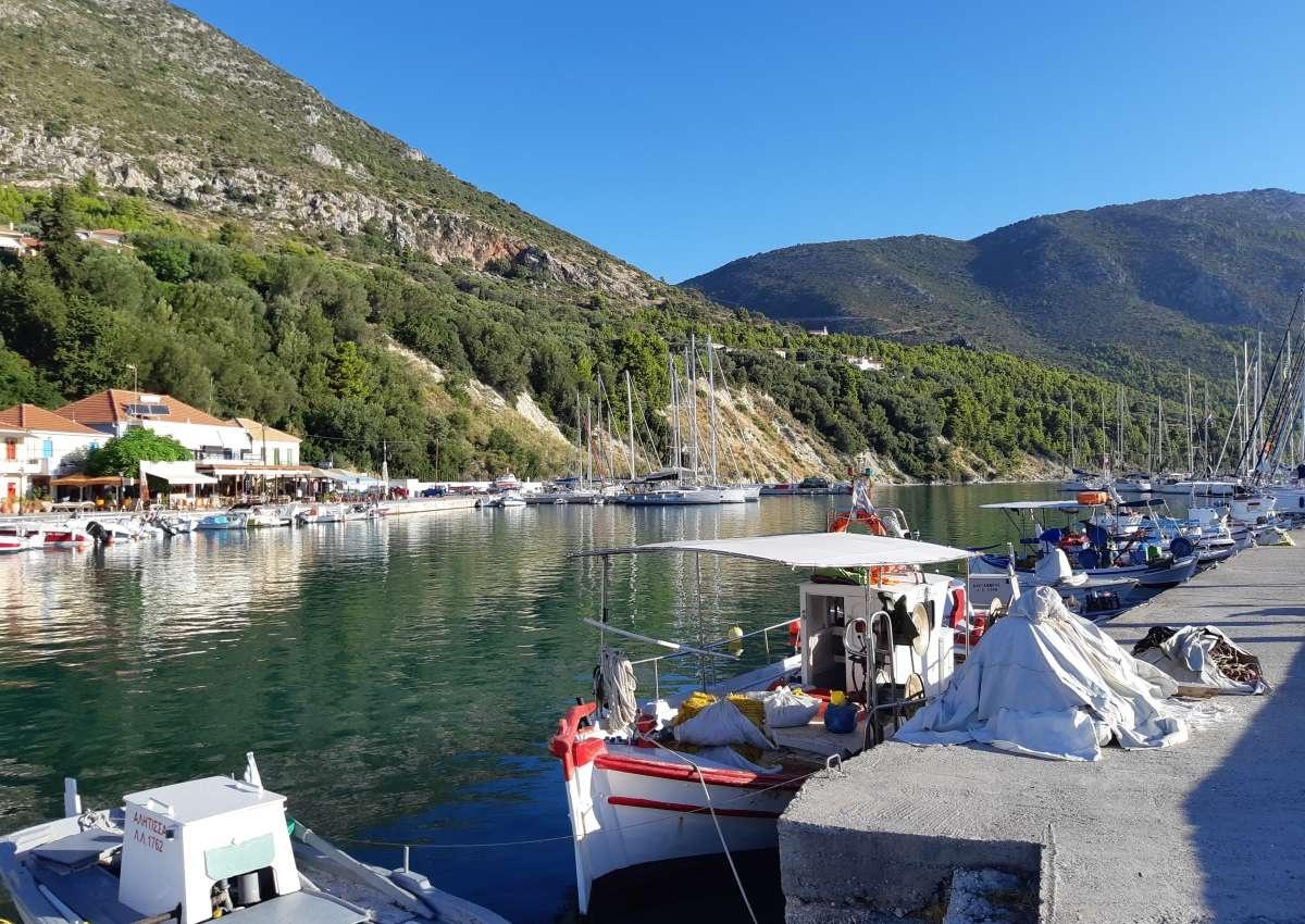 Port Kalamos - Marina près de Kalamos