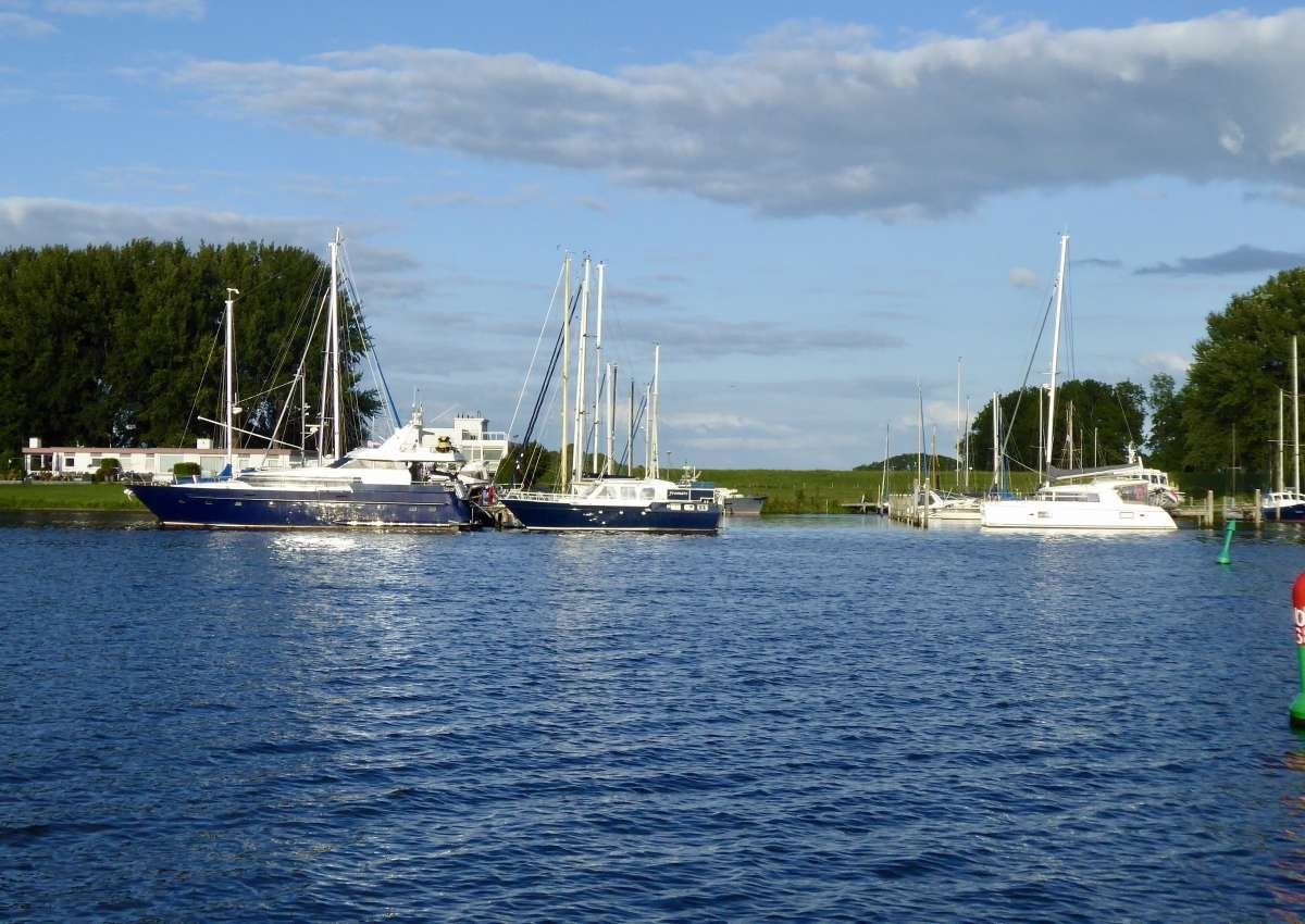 The marina Roggebot - Hafen bei Kampen