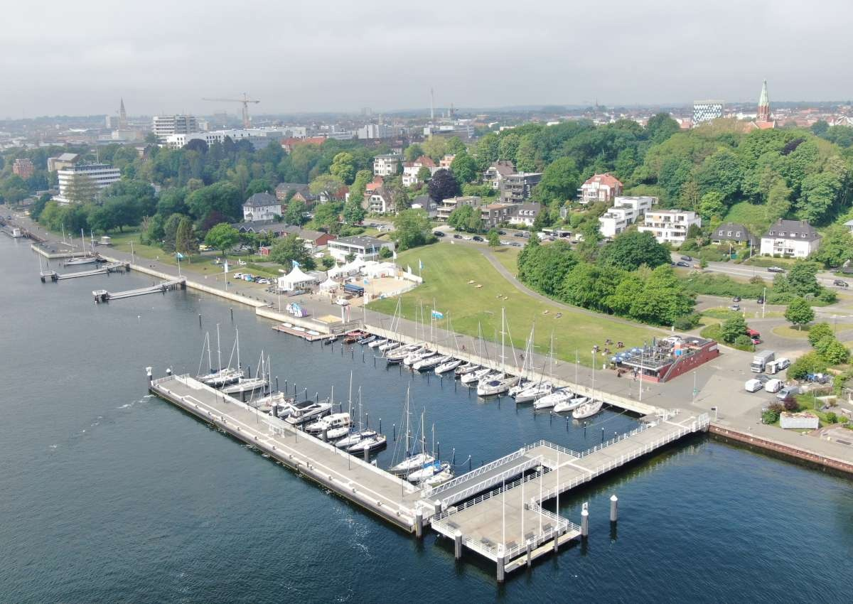 Reventlou - Hafen bei Kiel (Düsternbrook)