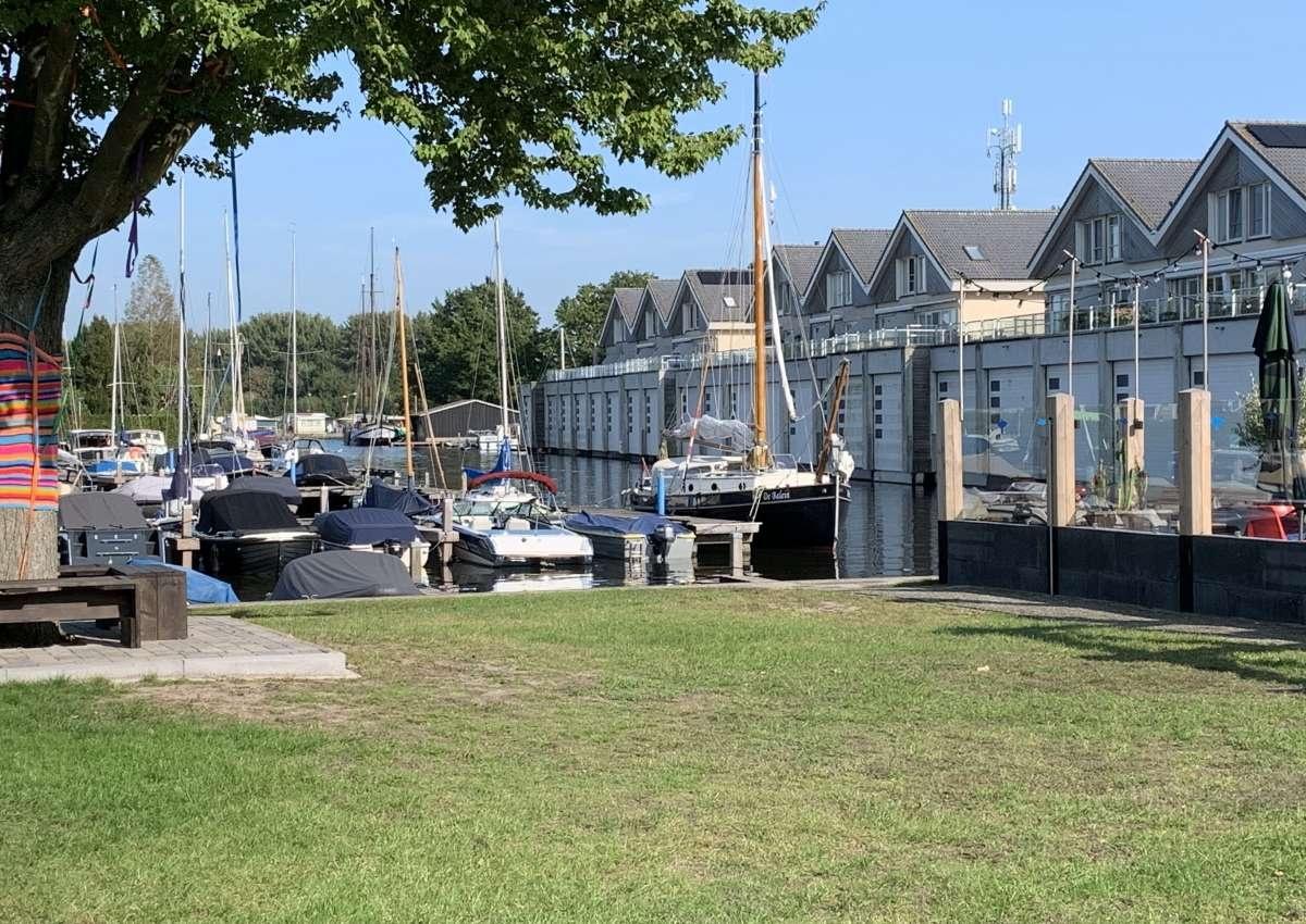 Jachthaven Waterpark Beulaeke Haven - Hafen bei Steenwijkerland (Wanneperveen)