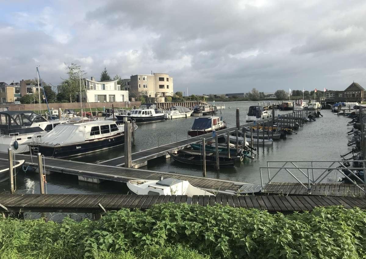 Watersportvereniging Bovenhaven - Hafen bei Kampen