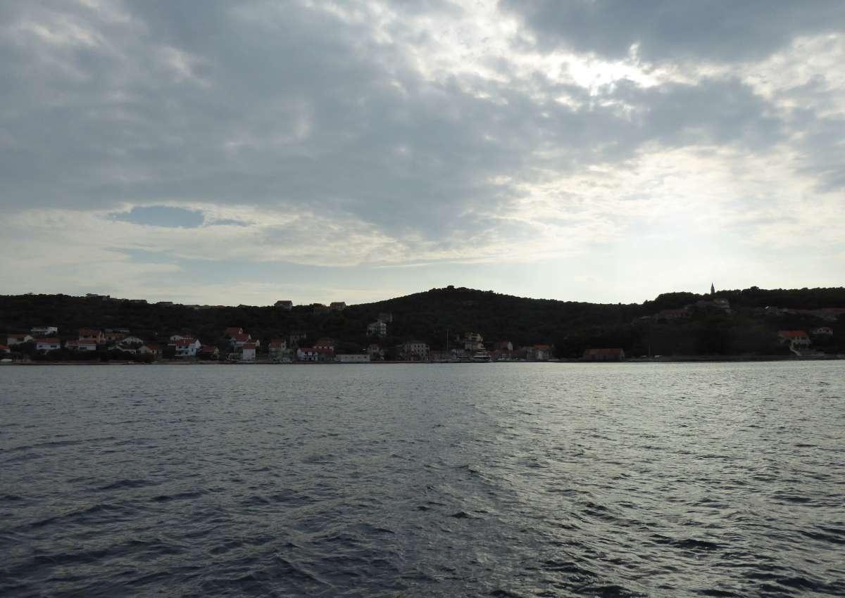 Mali Iz - Hafen bei Grad Zadar