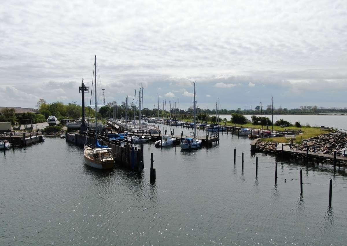 Großenbroderfähre - Hafen bei Großenbrode