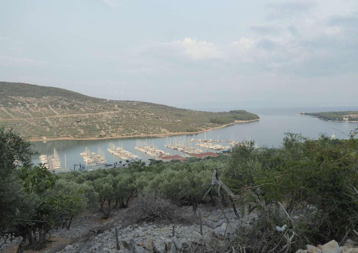 ACI Marina Cres - Hafen bei Cres