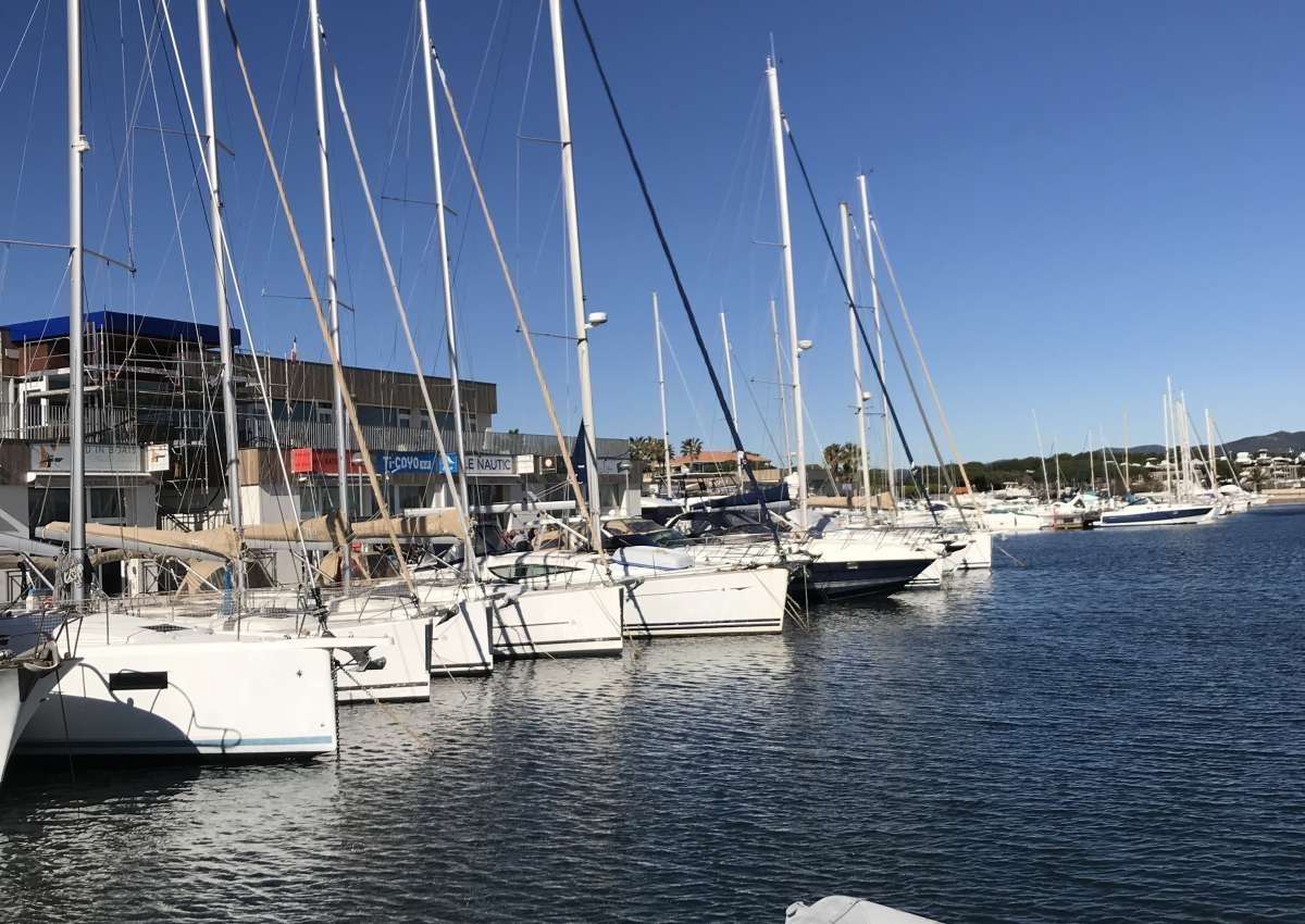 Port St. Pierre - Hafen bei Hyères